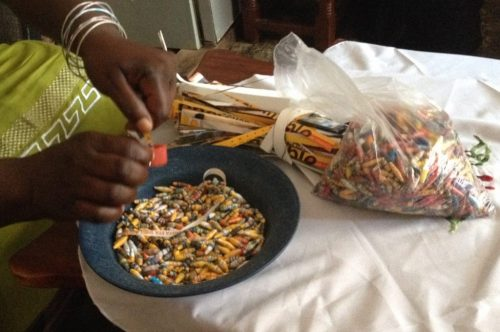 making-paper-beads