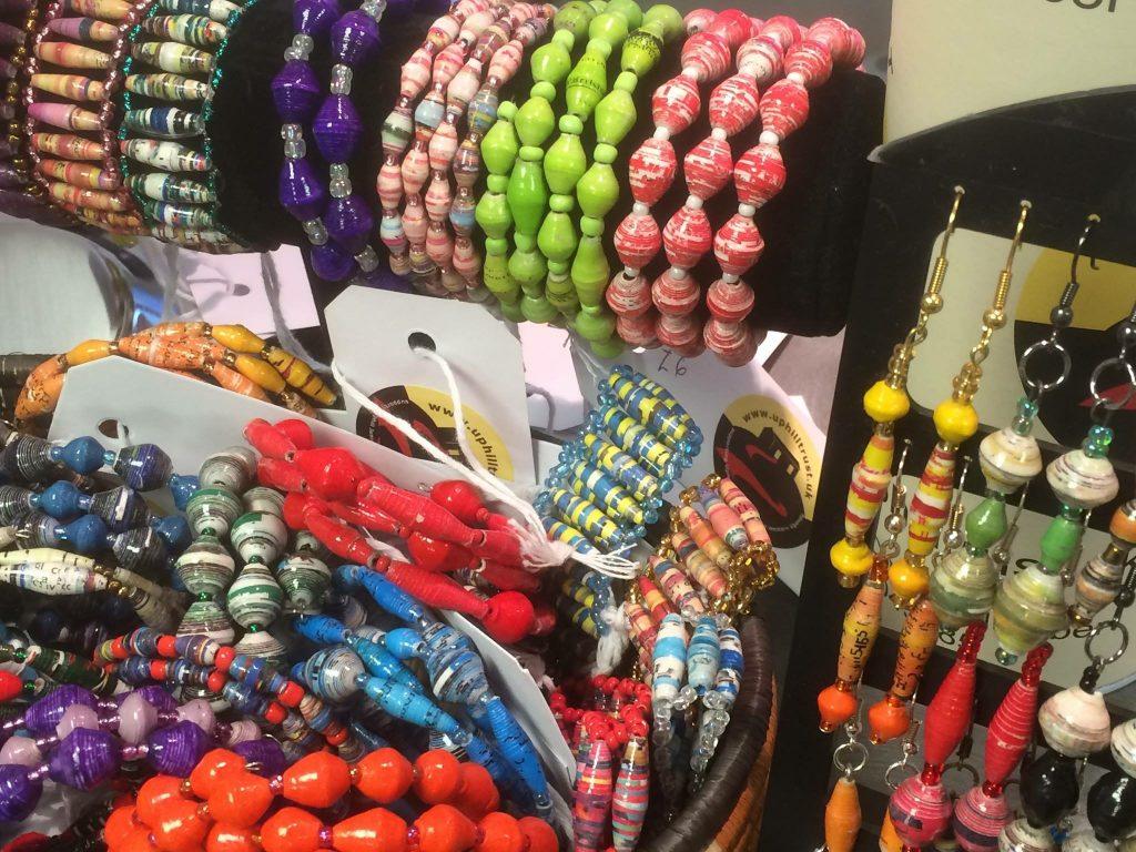 ugandan-paper-beads