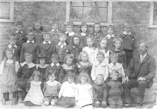 south-ferriby-school-1880s
