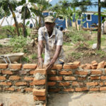 Uphill lead builder Waren